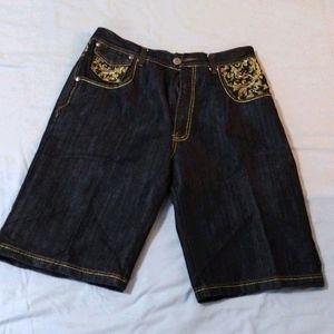 Men's embroidered pocket denim shorts